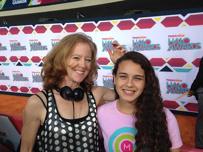 Amie Williams with GGM Reporter Rebecca Ruvalcaba at the TeenNick HALO Awards (GlobalGirl Rocio Ortega won this award in 2013)